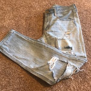 American Eagle Tomgirl Destroyed Light Jeans 6